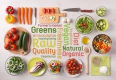 Cibo e preparazione di alimento sani a casa fotografia stock libera da diritti