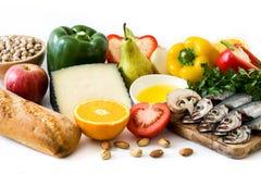 Cibo sano dieta mediterranea Frutta e verdure isolate immagini stock