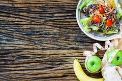 Cibo sano, stante a dieta concetto di perdita di peso e di dimagramento - clos immagine stock