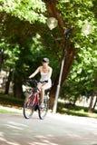 Ciclando nella sosta Fotografia Stock