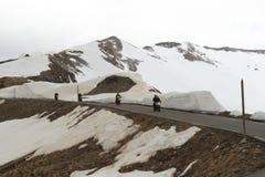 Ciclismo del motore in alpi marittime, Francia Fotografia Stock