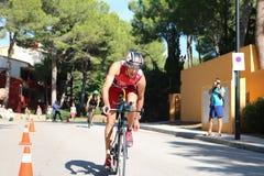 Ciclismo saudável do esporte do exercício do triathlon de Triathlete Imagem de Stock