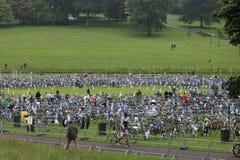 Ciclismo saudável do exercício do esporte do triathlete do Triathlon Imagem de Stock Royalty Free