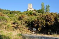 Ciclismo su Elba Island, Di San Giovanni, Toscana, Italia di Torre Fotografia Stock Libera da Diritti