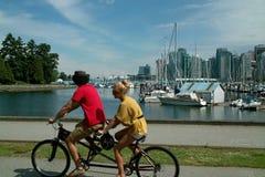 Ciclismo Vancôver B.C., Canadá Foto de Stock Royalty Free