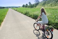 Ciclista asoleado imágenes de archivo libres de regalías
