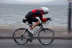 Ciclista, David Burke (1245), facente una panoramica della tecnica Fotografia Stock Libera da Diritti