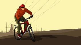 Ciclista em um Mountain bike no fundo de torres de alta tensão Fotos de Stock Royalty Free