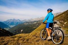 Ciclista in mountain-bike Fotografia Stock