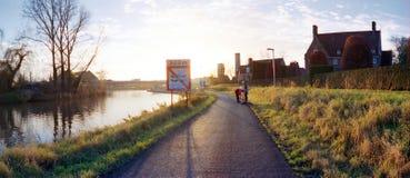 Ciclista no eveningsun Imagens de Stock