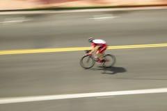 Ciclistas aficionados de los hombres que compiten en el circuito que compite con nacional de Garrett Lemire Memorial Grand Prix ( Foto de archivo libre de regalías