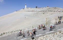 Ciclistas aficionados en Mont Ventoux Imágenes de archivo libres de regalías