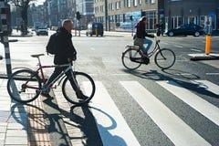 Ciclistas Amsterdão Imagens de Stock