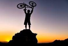 Ciclistas aventureros fotos de archivo