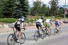 Ciclistas de ciclagem do estágio 5 do desafio dos EUA PRO Fotografia de Stock Royalty Free