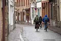 Ciclistas del estudiante Foto de archivo libre de regalías