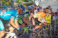 Ciclisti collo e collo - giro   Immagine Stock Libera da Diritti