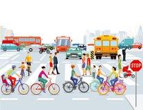 Ciclisti e pedoni della città Fotografia Stock Libera da Diritti