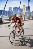 Ciclisti in tandem Immagini Stock Libere da Diritti