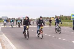 Ciclo activo, paseo recreativo total de la bici fotos de archivo