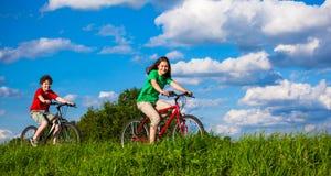 Ciclo de la muchacha y del muchacho Imagen de archivo libre de regalías