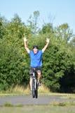 Ciclo de Retiree Male Cyclist del atleta que gana imagen de archivo