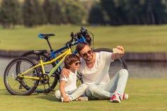 Ciclo del papá y del hijo Imagen de archivo
