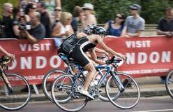 Ciclo del Triathlon de Londres Imágenes de archivo libres de regalías