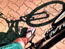 Ciclo en la calle Foto de archivo libre de regalías