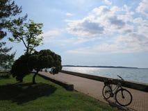 Ciclo en la costa de Croacia foto de archivo libre de regalías