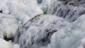 Ciclo ghiacciato della cascata stock footage