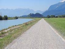Ciclo a lo largo del río el Rin Imagen de archivo libre de regalías