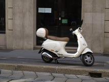 Ciclomotor, vespa Foto de archivo libre de regalías