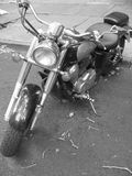Ciclomotore in bianco e nero Immagini Stock Libere da Diritti