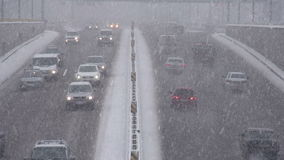 Ciclone da neve na cidade vídeos de arquivo