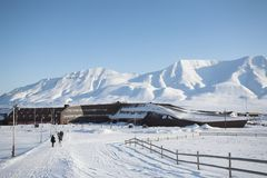 A cidade ártica de Longyearbyen - Spitsbergen Imagens de Stock