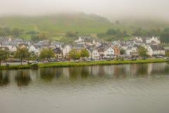 A cidade alemão de Zell no rio de Moselle Imagem de Stock