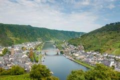A cidade alemão pitoresca de Cochem de cima de germany Imagem de Stock Royalty Free