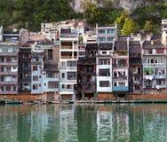 Cidade antiga de Zhenyuan no rio de Wuyang na província de Guizhou, China Imagem de Stock