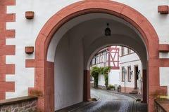 Cidade antiga Selingenstadt, Alemanha, cidade velha histórica, entran Fotos de Stock