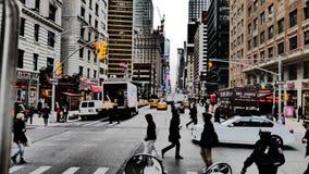 Cidade apressando-se Fotos de Stock