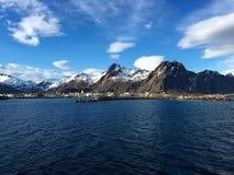 A cidade bonita de Svolvaer em Lofoten, Noruega Imagem de Stock Royalty Free