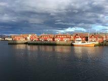 A cidade bonita de Svolvaer em Lofoten, Noruega Foto de Stock Royalty Free