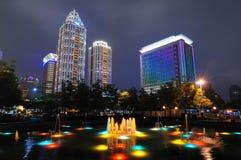 Cidade bonita e noite Fotos de Stock Royalty Free