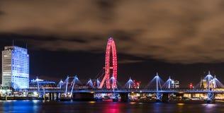 Cidade bonita na noite Fotos de Stock