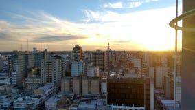 Cidade bonita no por do sol Foto de Stock