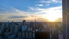 Cidade bonita no por do sol Imagem de Stock Royalty Free