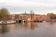 Cidade cénico de Amsterdão nos Países Baixos Imagem de Stock