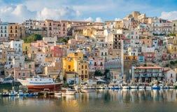 A cidade colorida de Sciacca que negligencia seu porto Provice de Agrigento, Sicília foto de stock royalty free