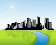 Cidade com grama verde. Fotografia de Stock Royalty Free